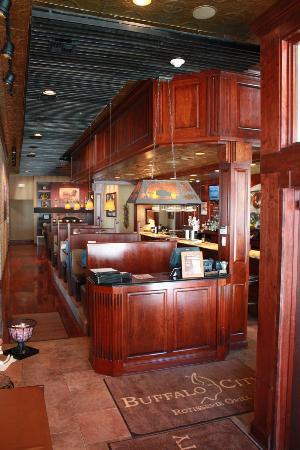Sabir's Buffalo Grill: Entry way