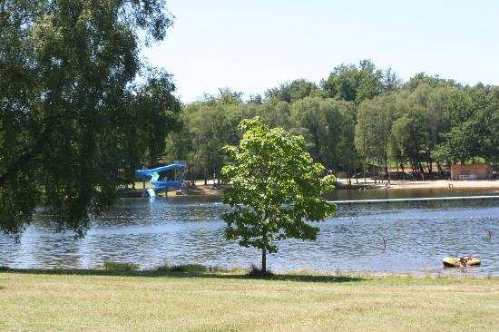 Camping Domaine du Lac de Miel: lac