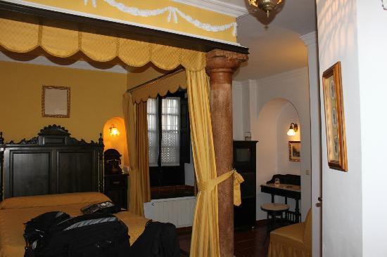 Hotel San Gabriel: our room #13 