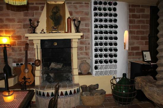Hotel San Gabriel: sherry room