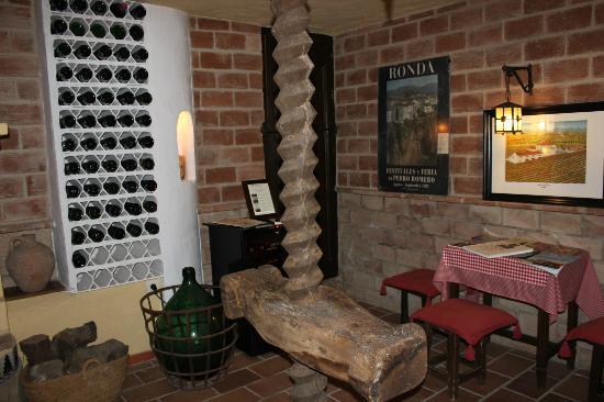 Hotel San Gabriel: sherry tasting room