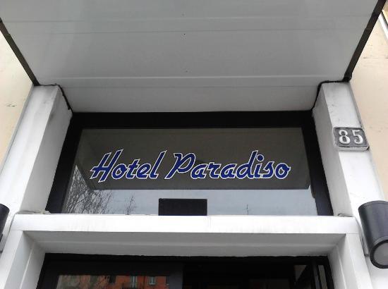 hotel paradiso, ingresso