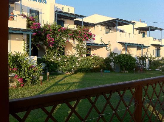 Liana Hotel: hotel front