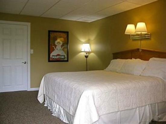 The Freeport Inn and Marina: Freeport Inn & Marina bedroom