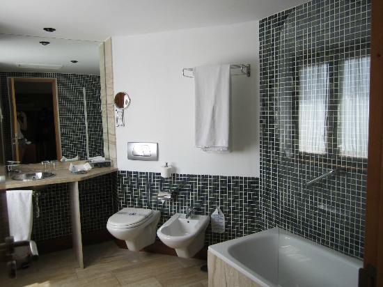 Hotel Acinipo: il grande bagno