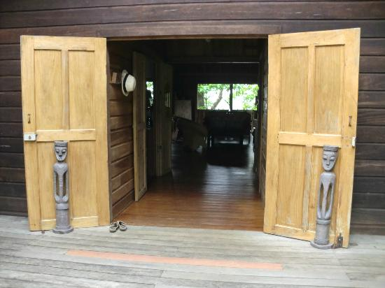 Punta Rica Beach & Jungle Villa: Dining and living room.