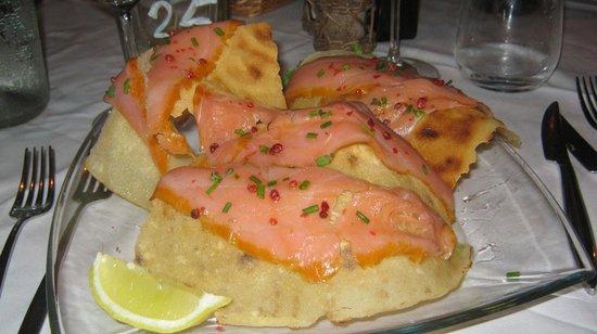 La Capanna - Osteria al Mare: Salmone marinato su pane carasau