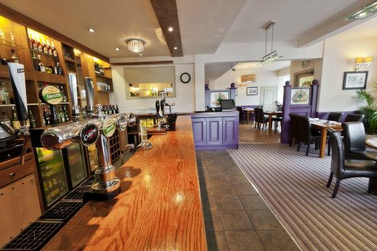 The New Holly Country Pub & Inn: Bar Area after refurb Aug 2012