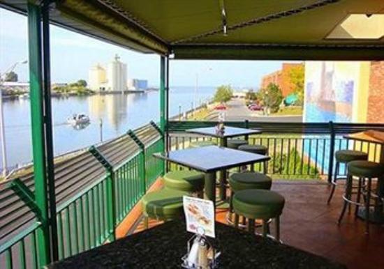 Quality Inn & Suites Riverfront 사진