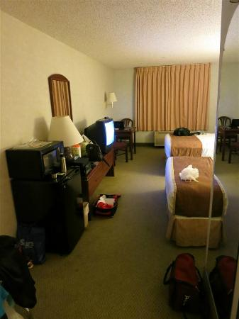 Days Inn & Suites Vancouver: room