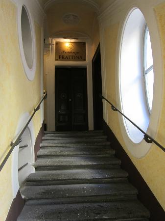 Residenza Frattina: the stairs :)