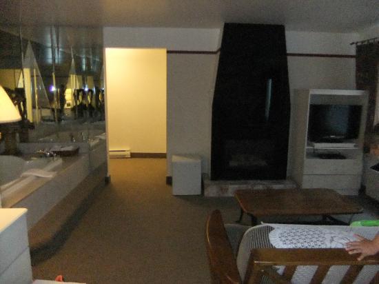布羅蒙飯店照片