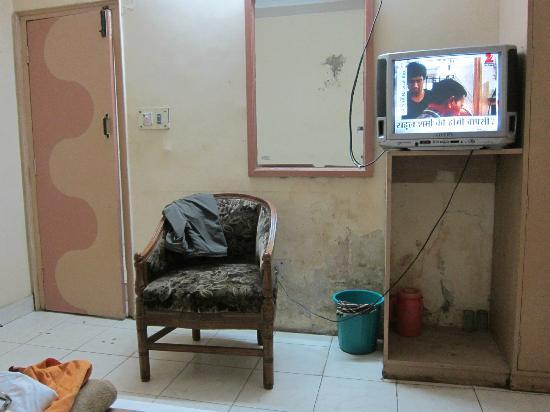 Hotel Payal: zimmer, mit vergammelten wänden,verdreckt