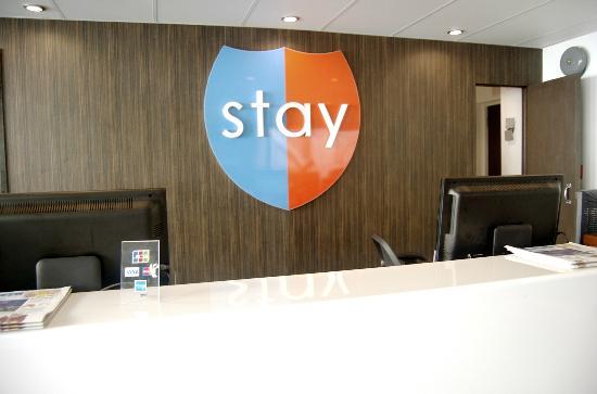 Stay Hotel Waikiki: front desk