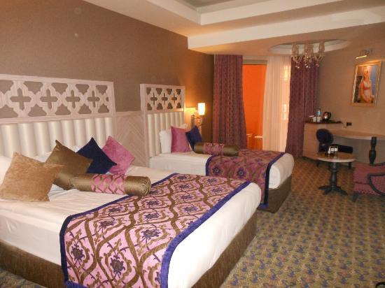 Royal Alhambra Palace: Hotelkamer