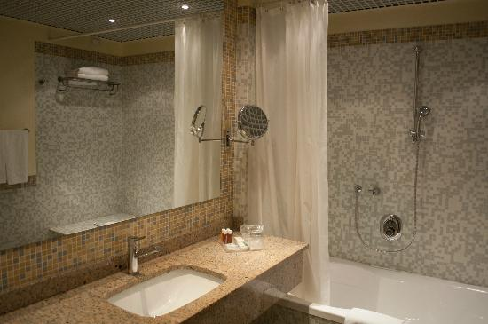 Crowne Plaza Venice East-Quarto d'Altino: Bathroom