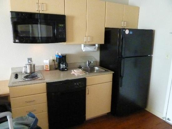 Candlewood Suites Sheridan: kitchenette