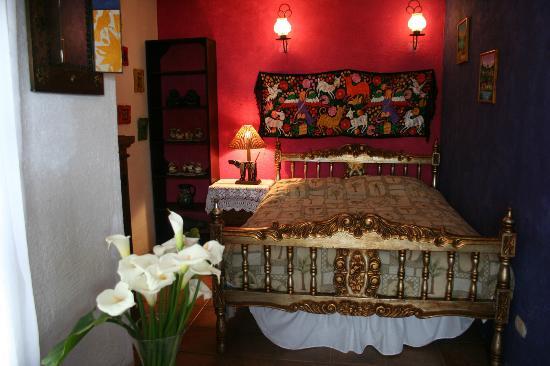 La Villa Serena: La Mexicana Room