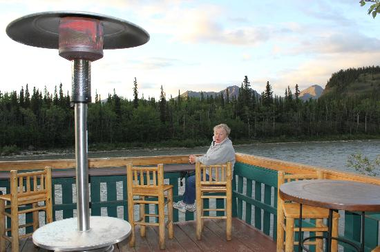 Denali Park Village: enjoying sunset from the deck