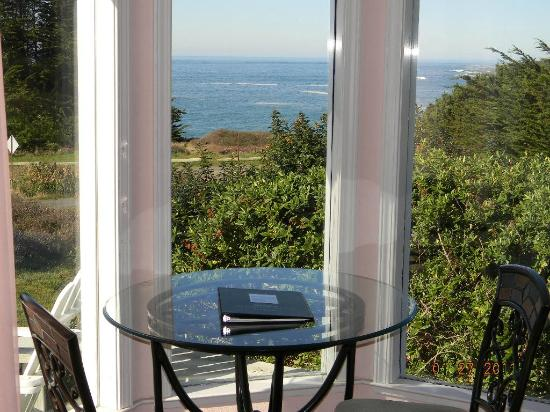 Mendocino Seaside Cottage: View from Vista View Room