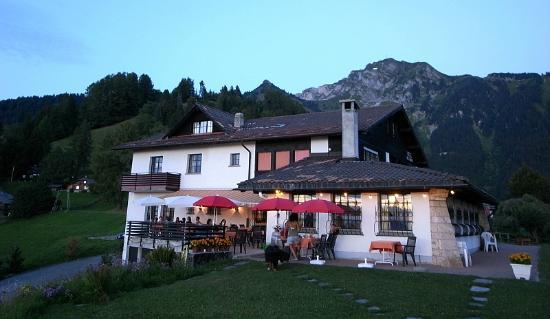 Hostellerie de Caux: Restaurant & Hotel