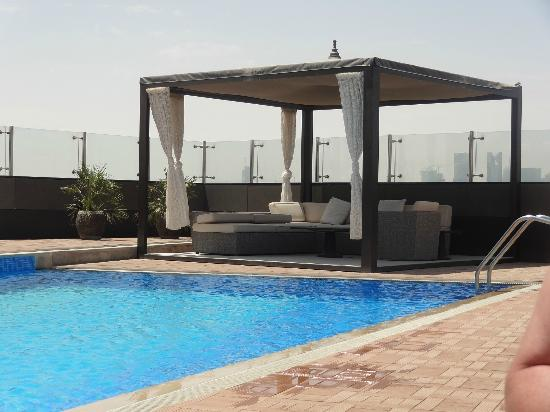Fraser Suites Doha: Pool Area