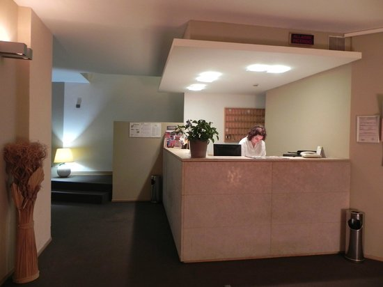 CIT Hotel Britannia: reception desk