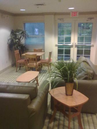 Extended Stay America - Washington, D.C. - Gaithersburg - South: Lounge area
