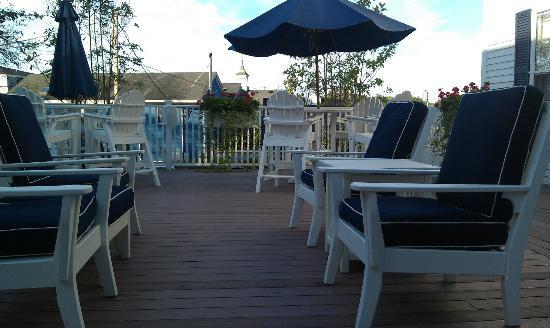 Kennebunkport Inn: Deck