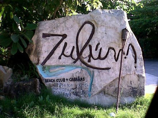 Zulum Beach Club + Cabanas : Entrada a Zulum
