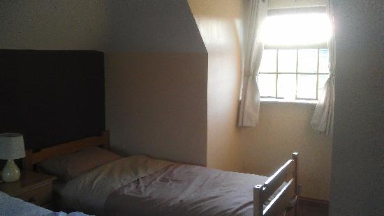 Collina Bed & Breakfast: Family Room
