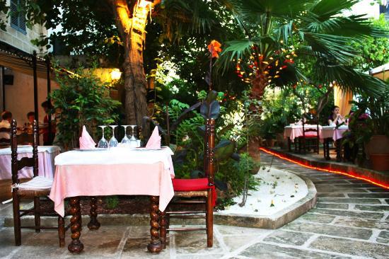 Asador tierra aranda palma de mallorca restaurant for Bistro del jardin mallorca