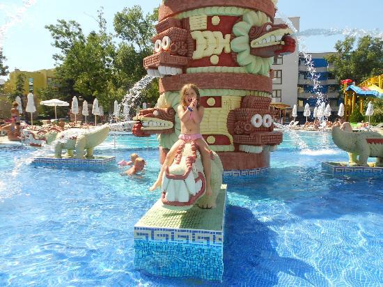 Kuban: pool side