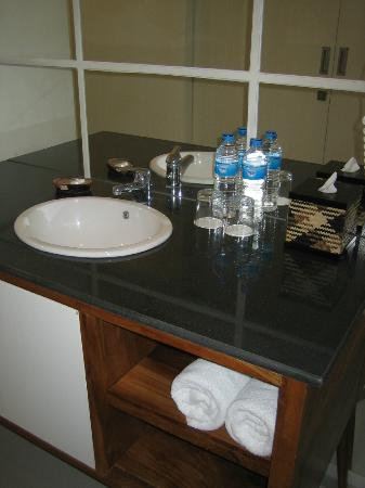 Astana Pengembak Suite Apartment & Villa : Bathroom