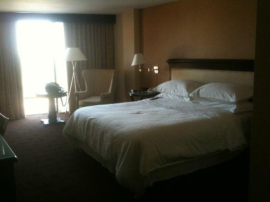 Sheraton Dallas Hotel by the Galleria: Room