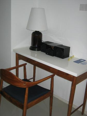Astana Pengembak Suite Apartment & Villa: Desk