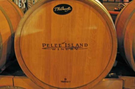 Pelee Island Winery: wine barrel