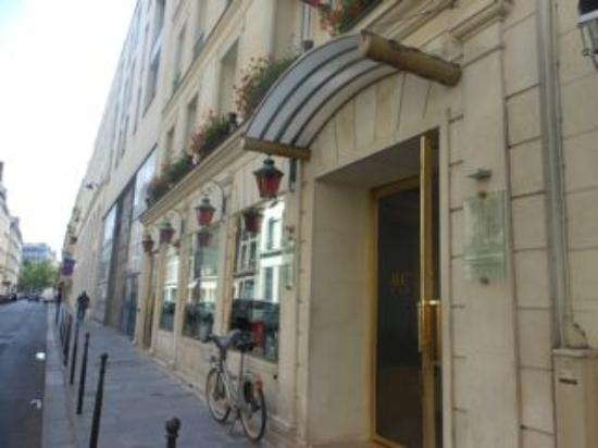 Hotel Concortel: Vooraanzicht hotel (inkomdeur)
