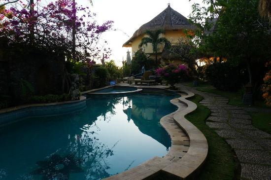 Life in Amed Boutique Hotel: la piscine