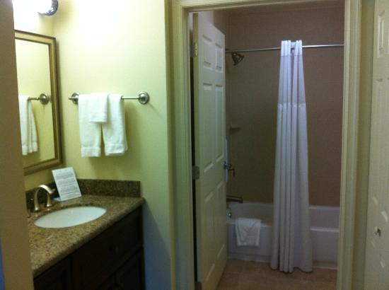 Staybridge Suites East Stroudsburg - Poconos: Bathroom