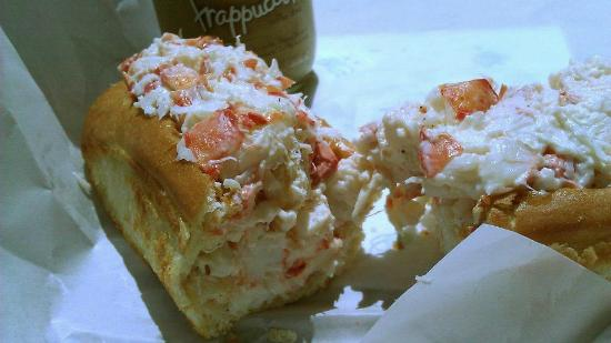 Libby's Market: Ordered a medium but could only eat half. As much lobsta as 4 typical rolls here in ME. Great pe