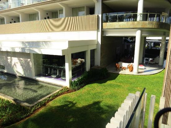 W Retreat & Spa Bali - Seminyak :  vue sur le jardin ( en face de la gym)