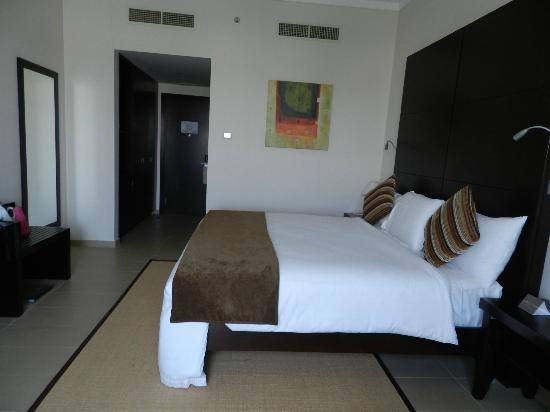 Mafraq Hotel Abu Dhabi: Inside the room