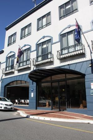 The Great Southern Hotel: All Seasons, Perth