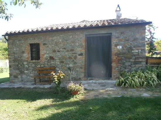 Agriturismo Le Spighe : Front of the 1700 small animal barn turned cottage
