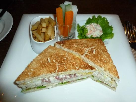 Crowne Plaza Kathmandu-Soaltee: Club sandwich in 'Garden Terrace'