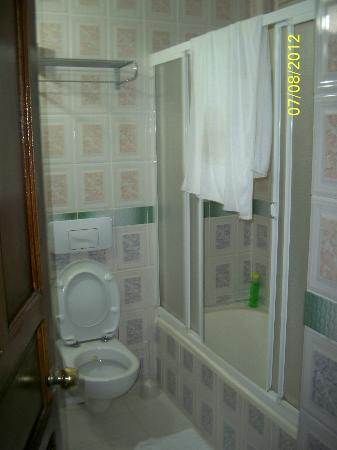 Seyir Village Hotel: Bathroom