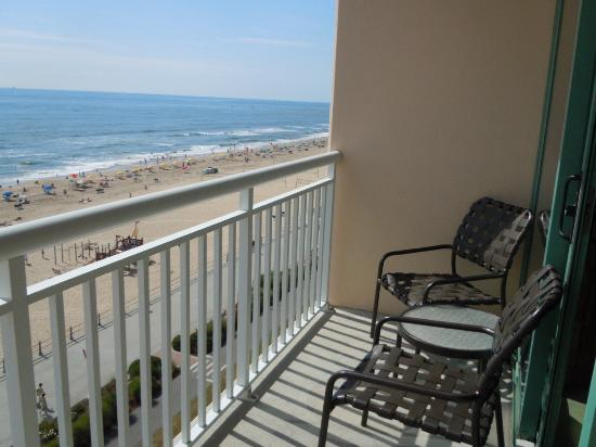Hampton Inn Virginia Beach-Oceanfront South: What a way to start any day!!