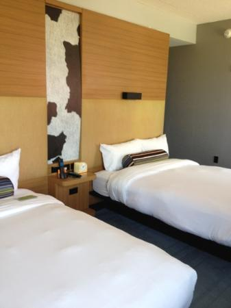 aloft Minneapolis: standard double room