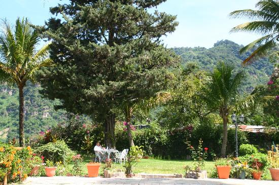 Jardines del Lago: Beautiful garden